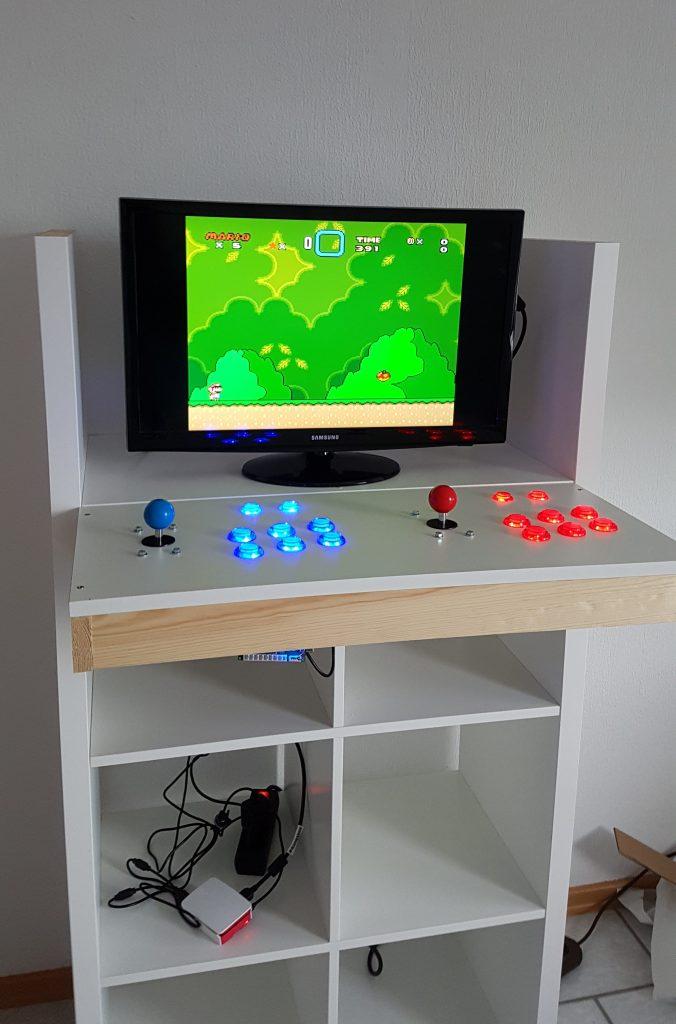 Retro Arcade Spielautomat aus Kallax Regal